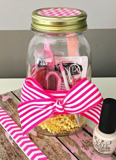 Mason Jar Christmas Gifts: Mani Pedi in a Jar