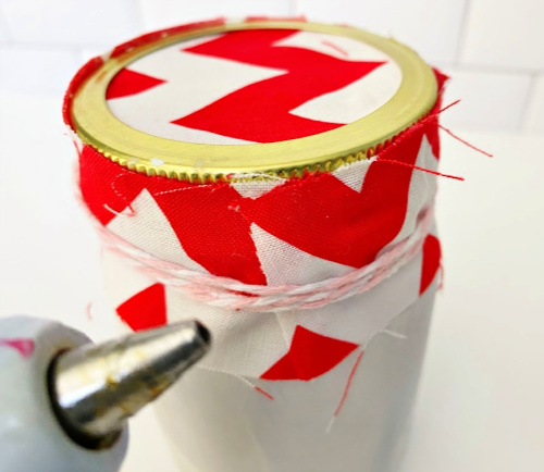 glue fabric onto Valentine Mason jar ideas