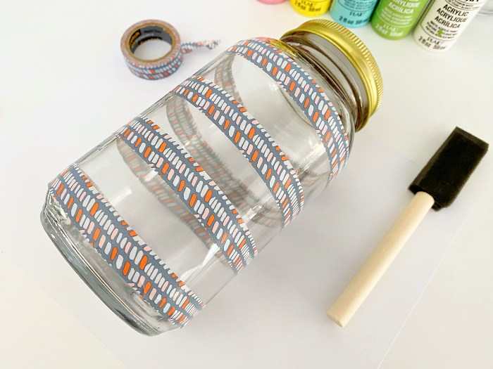 tape Mason jar decor idea