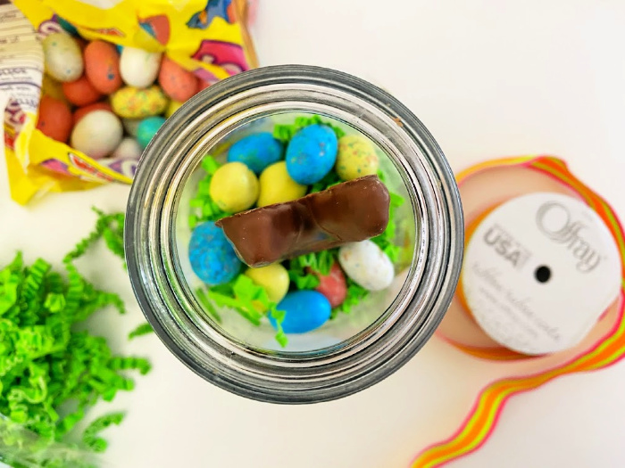add Robin Eggs for Mason jar gifts